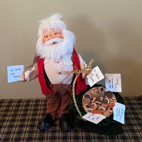 "Annalee ""Santa With Cookies"" Doll"